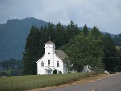 beautiful country church pictures   Oregon Country Roads~Beautiful Country Church   Churches - USA