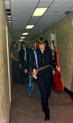 A rare backstage shot taken on Cream's farewell tour (1968)