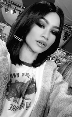 She's looks gorgeous with short hair: Zendaya Who Is Zendaya, Zendaya Mode, Estilo Zendaya, Zendaya Style, Pretty People, Beautiful People, Zendaya Maree Stoermer Coleman, Short Hair Styles, Wavy Hair
