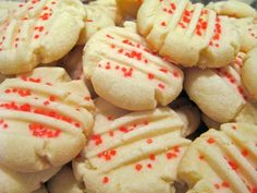 Come taste traditional Newfoundland recipes such as Christmas Shortbread from the place we call home. We only have the traditional Newfoundland recipes your mother & grandmother use to make! Shortbread Cookies With Cornstarch, Easy Shortbread Cookie Recipe, Whipped Shortbread Cookies, Shortbread Recipes, Easy Cookie Recipes, Baking Recipes, Rock Recipes, Dessert Simple, Holiday Baking