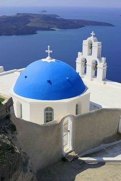 Santorini Blue Dome  Grece.  How beautiful are these colors?