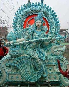 Saraswati Murti, Durga Ji, Saraswati Goddess, Shiva Shakti, Durga Maa Pictures, Saraswati Statue, Hindu Deities, Hinduism, Krishna Art