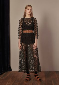 Red Valentino Fall 2017 Ready-to-Wear Collection Photos - Vogue