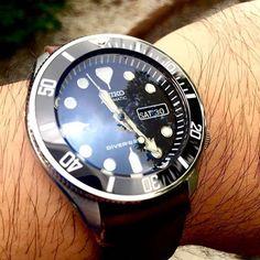 Ceramic insert + Coin edge bezel • Seiko Skx171 • Courtesy of Nattapol Chaisiri Explore modification ideas and designs at www.DLWwatches.com #seiko #seikomod #skx007 #skx009 #bezel #ceramicbezel #seikodiver #seikowatch #diverwatch #watchuseek #instawatch