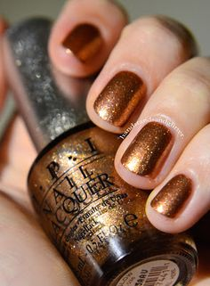 OPI - DS Glow- my current gorgeous pedi colour. The flecks are sooooo chunky and super shimmery and its a nice dark gold not quite copper