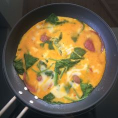 Lavkarbo pannekaker til middag? - Diabetes Solved Thai Red Curry, Ethnic Recipes, Food, Essen, Meals, Yemek, Eten