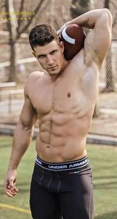 Football Usa, Football Baby, American Football, Football Players, Hot Country Men, Hot Hunks, Male Photography, Muscular Men, Athletic Men