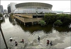 Flooding from Hurricane Katrina by the Superdome in New Orleans. New Orleans Louisiana, New Orleans Saints, Louisiana Creole, New Orleans Katrina, Hurricane Storm, Army Corps Of Engineers, Natural Disasters, Natural Phenomena, That Way