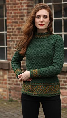 As seen in Fruity Knitting podcast Fair Isle Knitting Patterns, Knitting Charts, Knitting Designs, Knit Patterns, Hand Knitting, Couture Fashion, Knitwear, Knit Crochet, Fashion Outfits