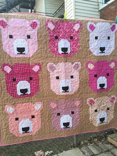 Exciting easy quilts - visit our story for even more schemes! Quilt Baby, Baby Girl Quilts, Girls Quilts, Children's Quilts, Cute Quilts, Small Quilts, Quilting Projects, Quilting Designs, Quilting Ideas