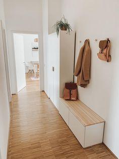 Entrada Ikea, Home Room Design, House Design, Entryway Storage Cabinet, Small Bedroom Inspiration, Narrow Hallway Decorating, Narrow Entryway, Ikea Design, Dream Decor