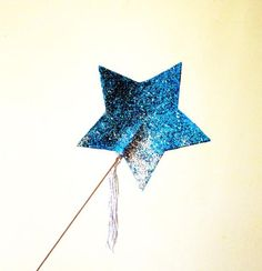 DIY Fairy Costume : DIY: How to make a sparkle wand. Come fare una bacchetta magica glitterata : DIY Halloween DIY Costumes