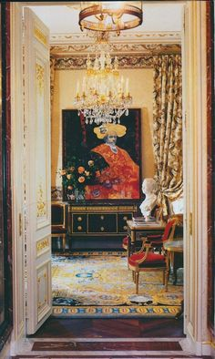 Paris pied-à-terre. Decorated by Jacques Garcia, a designer of great skill, and furnished with antiques from star dealer Luc Bouveret.