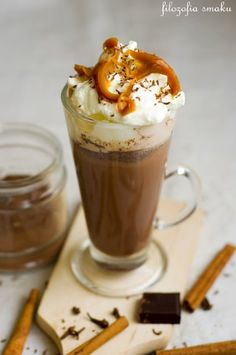 Christmas Hot Chocolate, Hot Chocolate Mix, Melting Chocolate, B Food, Pumpkin Spice Latte, Yummy Drinks, Food And Drink, Sweets, Coffee