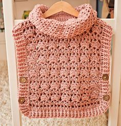 Rose Poncho - Pullover Crochet pattern by Mon Petit ViolonThis Crochet PATTERN Rose Poncho Pullover sizes from up is just one of the custom, handmade pieces you'll find in our patterns & how to shops.This poncho - pullover will brighten up grey autum Crochet Pullover Pattern, Gilet Crochet, Crochet Yarn, Crochet Hooks, Crochet Patterns, Crochet Pincushion, Crochet Lovey, Poncho Pullover, Kid Outfits