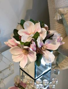 Pictures of Magnolia Arrangements | Magnolia in Mirrored Glass Cube | RTfact | Artificial Silk Flowers