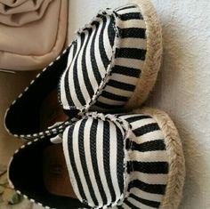 New Levis Signature flats espadrilles New, cute, canvas material black and cream espadrilles flats Levi's Shoes Espadrilles