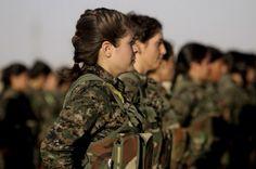 La brigata delle combattenti curde in Iraq tpi.it Nel cuore di Sinjar, a nord dell'Iraq, un gruppo di combattenti, tutto al femminile, rischia la propria vita per salvare quella delle famiglie degli Yazidi 25 aprile 2015