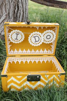Child at Heart: Upcycle DIY Suitcase: Wedding Keepsake Suitcase Card Box Wedding, Diy Wedding, Wedding Ideas, Wedding Stuff, Dream Wedding, Wedding Inspiration, Diy Party, Party Gifts, Suitcase Card Box