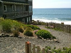 Looking Glass Inn - Oceanfront Condo with Hot Tub