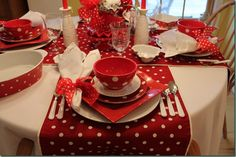 Love the polka dots!   #tablescapes  #tablescapeideas homechanneltv.com