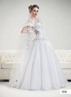1018 | * Svatební šaty | Svatební salon Paulina | Brno One Shoulder Wedding Dress, Wedding Dresses, Fashion, Bride Dresses, Moda, Wedding Gowns, Wedding Dress, Fasion, Bridal Gowns