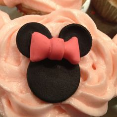 Minnie mouse cupcakes for little girls birthday party!