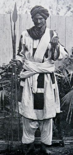 Another vintage picture of a Mahdist warrior