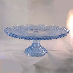beautiful hobnail cake stand