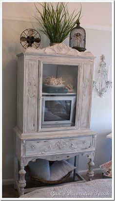 beautiful china cabinet, I will put in my bathroom with beautifully folded fluffy towels inside