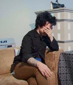 Dumb person: oh I love green day especially their first album american idiot Me:...(refer to picture)