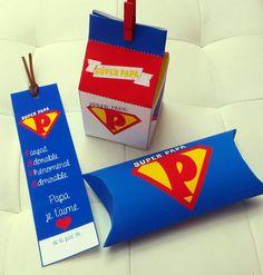 Idée originale un kit super papa pour la fête des pères avec : -  une boîte à garnir de petits biscuits faits maison pour les papas gourmands ou autre petit cadeau - une pillow box (boîte coussin) qui peut accueillir un chèque cadeau, un dessin ou petit mot de votre enfant, des tickets à gratter - un marque-pages
