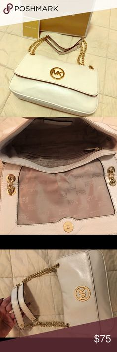 🎉HP🎉Michael Kors Fulton shoulder purse Michael Kors small fulton shoulder leather purse. Gold hardware. Only used a handful of times. No stains clean inside and out. Michael Kors Bags Shoulder Bags