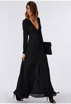 This baben' black beaut of a maxi dress is one seriously lustworthy piece! With its regal chiffon feel fabric which flows as you move, you'll be sure to make a style statement wherever you wear it. The chic button down detailing means it ...