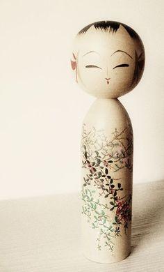 poupée Kokeshi, Japon.