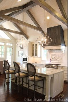 Home Interior Modern inexpensive ceiling covering - Get your dream kitchen by trying out one of the kitchen ceiling ideas above! Interior Modern inexpensive ceiling covering - Get your dream kitchen by trying out one of the kitchen ceiling ideas above! Kitchen Island Lighting, Kitchen Lighting Fixtures, Light Fixtures, Island Kitchen, Küchen Design, House Design, Interior Design, Design Ideas, Design Trends