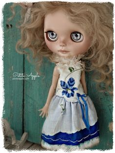 Blythe doll outfit *Blue Lobelia* embroidered vintage dress