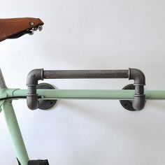 Are you interested in our industrial pipe bike rack ? With our wall mounted steel bike storage you need look no further. Are you interested in our industrial pipe bike rack ? With our wall mounted steel bike storage you need look no further. Bike Storage Garage Wall, Bike Storage Apartment, Bike Storage Home, Bike Storage Rack, Diy Garage, Garage Bike Rack, Rack Shelf, Apartment Furniture, Garage Organization Bikes