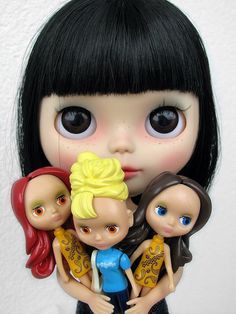 Look at my new evil dolls that r going to eat u whil ur sleeping and snoren