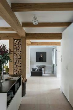 Wood and white Modern Rustic Homes, Modern Rustic Decor, Modern Rustic Interiors, Modern Barn, Barn House Design, Sweet Home, Internal Design, Modern Bungalow, House Inside