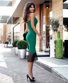 Chic Dress, Dress Up, Bodycon Dress, Elegant Chic, Classy Chic, Elegant Dresses For Women, Beautiful Dresses, Silhouette, Fashion Updates