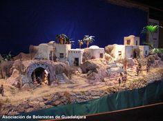 Belen San Jose Nativity House, Diy Nativity, Christmas Nativity Scene, Christmas Villages, Christmas Art, Christmas Projects, Christmas Holidays, Nativity Scenes, Journey To Bethlehem