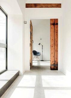 Inspiratie beeld beton(look) vloer. Wist je dat molitli interieurmakers een innovatieve gietvloer van beton heeft geïntroduceerd in meerdere kleuren? Stoere uitstraling, kwaliteit ook voor horeca & retail en vlekbestendig.