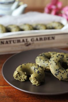 These baked matcha doughnuts, with a delicious matcha glaze and black sesame sprinkled on top, might just become your new favourite!