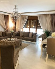 Bu Evin Keyifli ve Şık Çizgisine Aynalar Damga Vuruyor - - Home Decor Inspiration, House Interior, Living Room Colors, Curtains Living Room, Home, Cheap Home Decor, Home Deco, Home Decor Styles, Home Decor