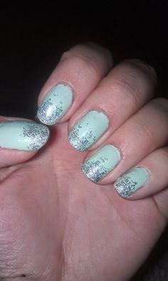 Vanessary: Mint nails with glitter - DIY