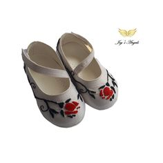 Handmade white leather baby shoes with red and black embroidery into silk fabric Baby Girl Shoes, Girls Shoes, White Leather, Soft Leather, Baby Dress Design, Leather Baby Shoes, Handmade Dresses, Handmade Baby, Baby Items