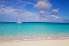 Beautiful beaches of Conception Island + Rum Cay, Bahamas | LAHOWIND | Sailing Blog