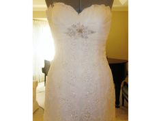 Pronovias Bali: buy this dress for a fraction of the salon price on PreOwnedWeddingDresses.com