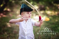 The competition winner for the children's Robin Hoodthemed mini shoot last weekend, had a ball in the woods at Everdon Stubbs, Northampton. What a great place to play at being Robin Hood!    Lucky for me he bought along his little fairy sister too, so we had plenty of fun between the three